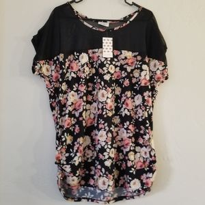 Floral short sleeved shirt with mesh